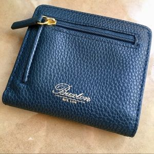 NWOT Buxton navy blue leather wallet!
